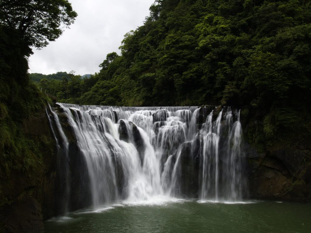 十分瀑布 台湾 滝 ナイアガラ